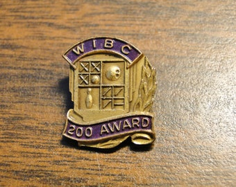 "WIBC 200 Award Bowling Pin Pinback - 5/8"" X 3/4"" - Very Nice!"
