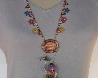 Necklace Art Doll Collection 1 / 24th - Circus - Equilibrist with Umbrella
