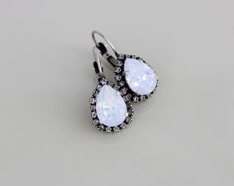 Bridal earrings, White opal earrings, Bridal jewelry, Bridesmaid earrings, Wedding jewelry, Swarovski crystal earrings, Antique earrings