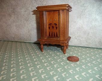 1:12 scale Dollhouse Miniature 1940's look Radio