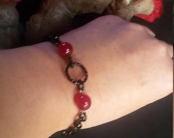 Ethnic bracelet with Swarovski heart, Bracelet with red jade,Jade gemstone,Chain bracelet in aluminum,Black and red bracelet,Cuore Svarovski