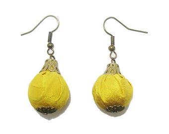 Earrings lemon yellow silk fabric pouch.