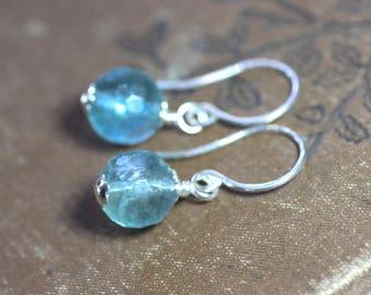 Fluorit Aqua Blau Regenbogen Fluorit facettierte Perle Sterling Silberohrringe