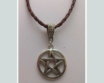 Brown Leather Pentagram Necklace , Silver Pentagram , Brown Necklace , Leather Necklace , Cord Necklace , Wiccan Jewelry < Pagan Jewelry