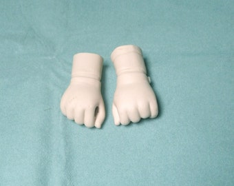 """doll fists, bisque/ 2 3/4""""/Boots Tyner 1986/Vintage, 1990s/Germany"""