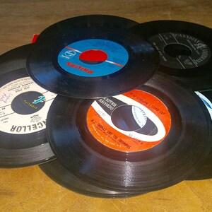 "50's Genre Vintage 7"" 45 RPM Vinyl Records DIY Arts & Crafts Or Listen Lot of 20"