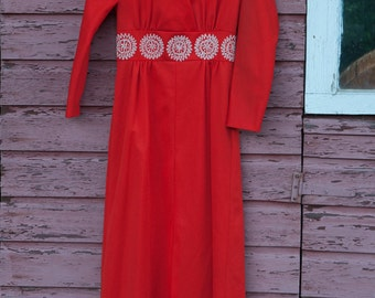Vintage Gown - Maxi Evening 70s  Mod Embroidered