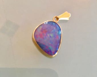 9 Ct  Yellow Gold Opal Doublet pendant