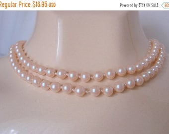 SALE Vintage Pearl Necklace / 50s-60s / Hand Knotted Glass Pearls / Classic  / 32 Inch / Bridal Wedding / Jewelry / Jewellery
