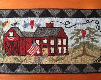"""14"""" x 29"""" Linen Hooked Rug Pattern - """"Irene's Farmhouse"""""""