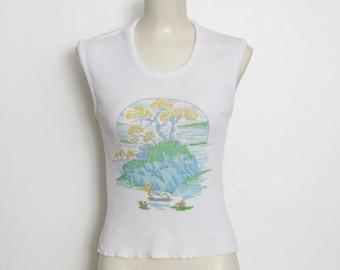 Gilet pull des années 1970 / White Knit w / Scenic impression asiatique Vintage des années 70 nouveauté Print pull sans manches