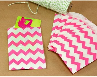 """25 Small Hot Pink Chevron Paper Treat Bags or Favor Bags . 2.75"""" x 4"""""""