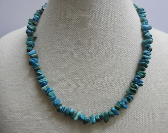 stunning vintage blue turquoise chip beaded necklace 18 inches