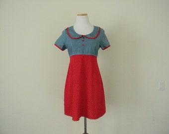 FREE usa SHIPPING vintage 90's denim polka dot sun dress/ summer dress/ sundress/ peter-pan collar/ size Medium/ cotton  dress