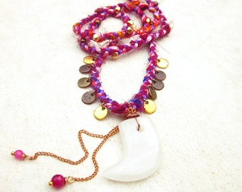 Boho statement necklace, quartz tooth bohemian necklace, ethic hippie gypsy necklace, sari silk necklace, boho chic, hippie gypsy necklace