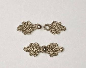 """3/4"""" Tiny Frog Closures, pkg of 2. FAWN #R45. Machine Embroidered."""