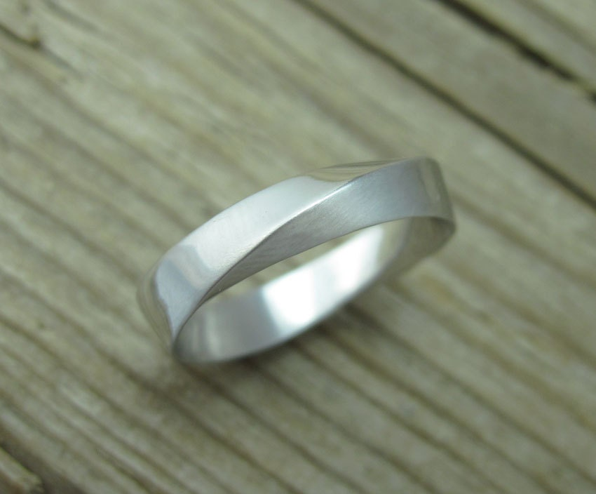 Mobius Wedding Band 5mm Mens White Gold Wedding Ring Mobius