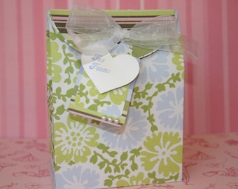 Gift Box Set - FREE Shipping Spring, Mother's Day, Birthday Party or Wedding Gift Wrap or Favor Box with Tag