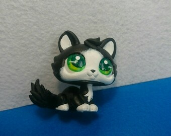 Lps custom cat white green eyes black