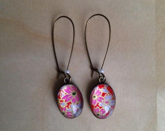 Earrings dangling pink flowers