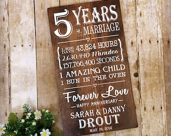 5 Years of Marriage, 5th Anniversary Gift, Anniversary Wood Sign, Milestone Anniversary, Gifts for Him, Bun in the Oven