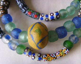 73 various beads of glass from Ghana - mixgb20