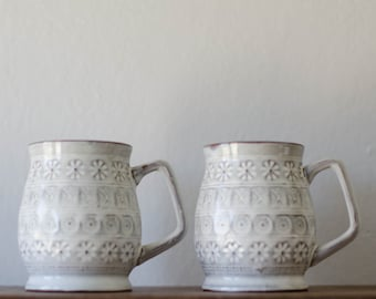 Vintage Mugs - white with flowers