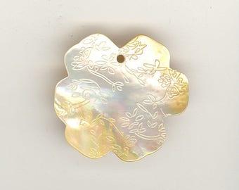 1 Vintage Mother Of Pearl Etched Carved Floral Flower Shell Pendant 43mm No. 55I