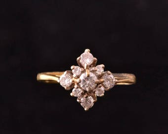 18ct Yellow Gold Vintage Ring With Diamonds (923k)