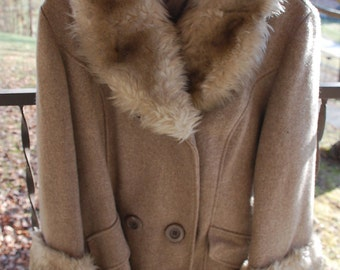 Womens Vintage Brown Faux Fur and Wool Coat Jacket 1960's - 1970's size 14 - 16
