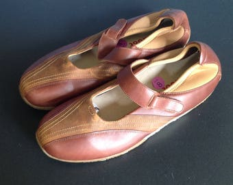 Zumfoot two-tone Mary Jane comfort shoes size 8