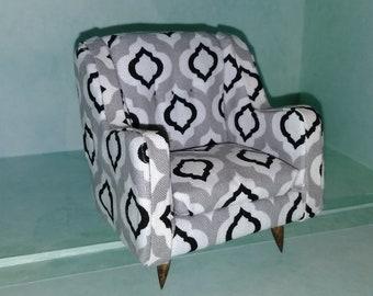 Medium arm chair