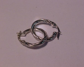 18k White gold earrings-nice-will ship to the continental USA or Canada
