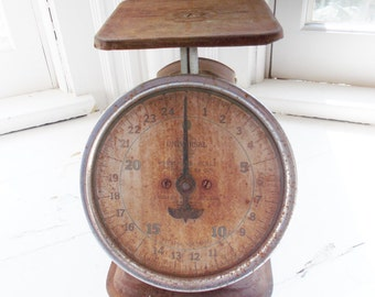 Vintage Kitchen Scale Universal Household Scale Green 25 Pound Made in USA