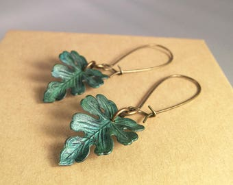 Verdigris oak leaf dangle earrings. Verdigris brass leaf earrings. Leaf earrings. Nature earrings. Blue green patina brass leaf earrings.