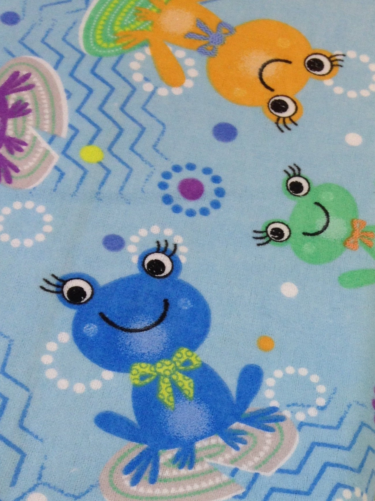 Green frogs pink blue flannel, colorful frogs, baby flannel, baby ...
