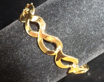 Vintage gold tone open design link bracelet
