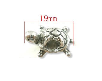 Perle Tortue charm silver charm. Size approximately 19x13mm.