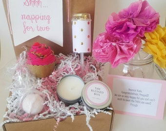 Pregnancy Congratulations Gift Box. Expectant Mom Gift Basket. Pregnant Friend Care Package. Baby Shower Gift. Mom to Be Gift.