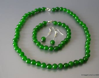 Green Jade beads Necklace, Bracelet and Earrings