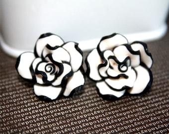 Black and White Flower Earrings Post Earrings