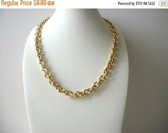 ON SALE Vintage Gold Tone Heavier Metal Links 18 Inch Necklace 8516