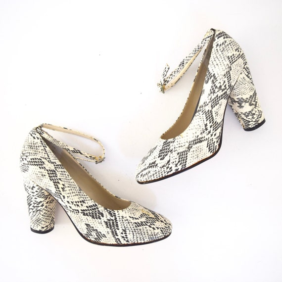 Vintage 90s does 60s Black and White Faux Snakeskin Ankle Strap Pumps (size 7)