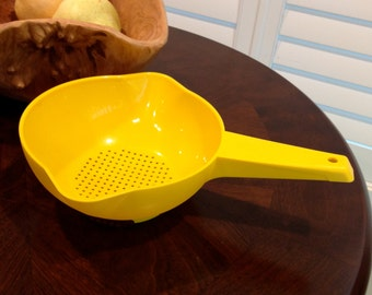 Vintage Tupperware Colander strainer yellow small size