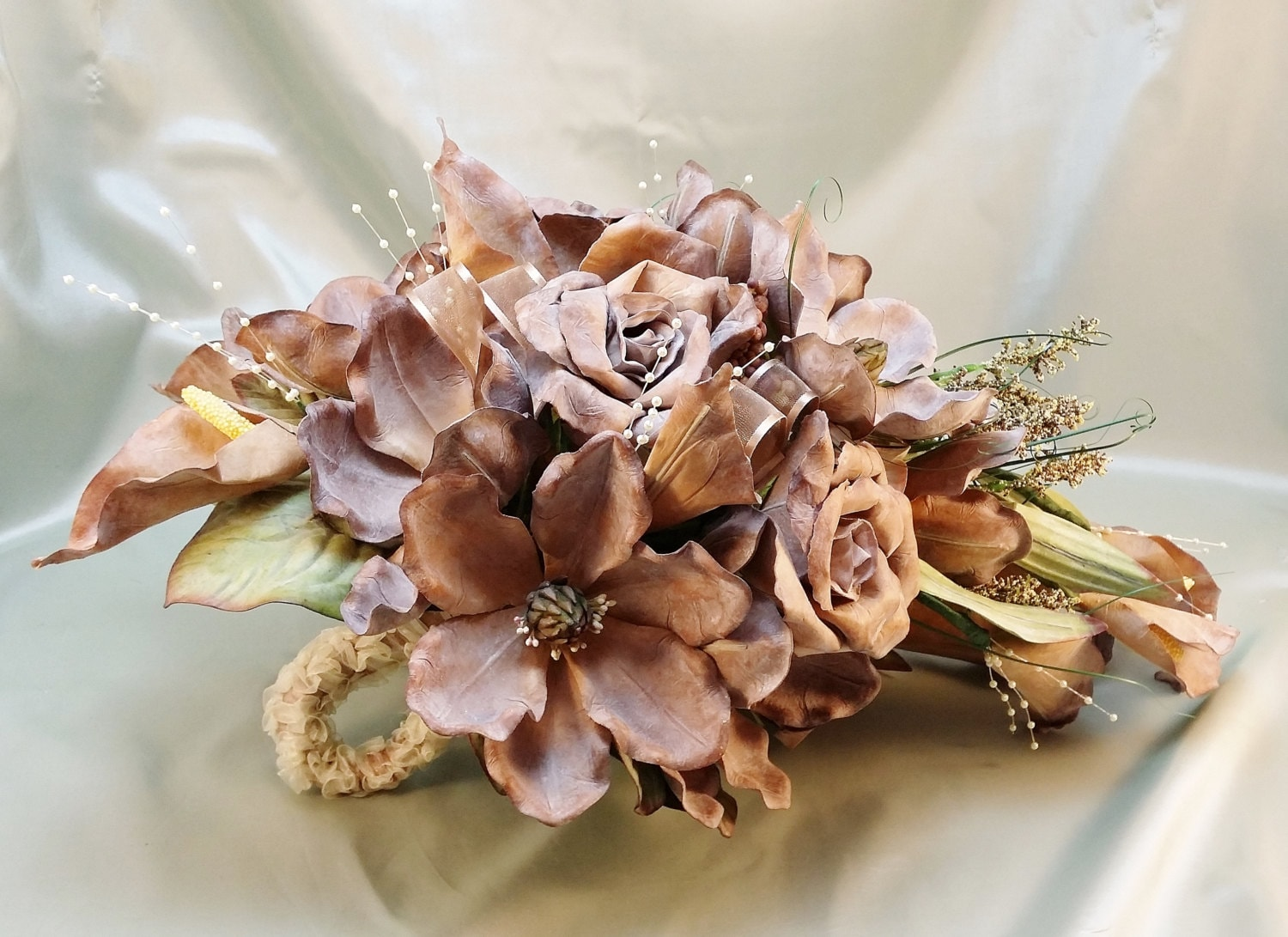 Light brown cascade bouquet realistic flowers artifical zoom izmirmasajfo