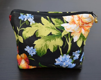 Cotton cosmetic bag, Cosmetic bag, Makeup bag, Hand made cosmetic bag, Zipper cosmetic bag, Zipper pouch, Zipper cotton bag, Cosmetic pouch.