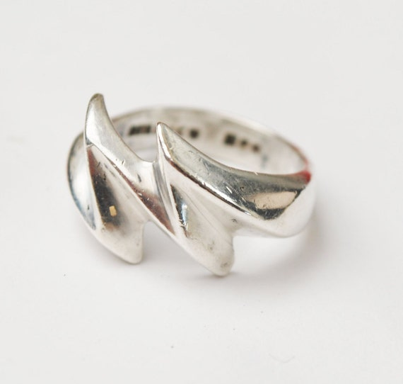 Sterling Ring - silver Abstract Modern - Wave -  size 8 - Mexico - Taxco