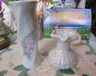 Gift for Mom in pastel colors! Lot of 2 IRIDESCENT or Opalescent ceramic VASES. Pink & lilac flowers.
