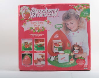 Strawberry Shortcake, 1991 Berry Bake Shop Re-Issue, Vintage, Playset, In a Box, Baking, Fun, Storage Case, Pies, Plastic ~ 170320A