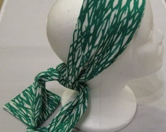 Vintage Green & White Abstract Print Polyester Skinny Scarf